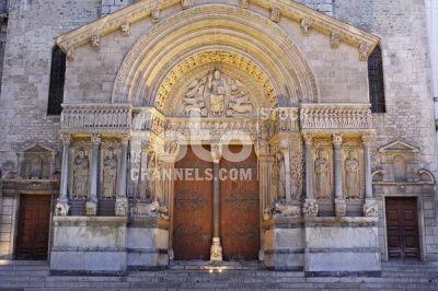Saint Trophime Cathedral, Place de la Republique, Arles, Bouches du Rhone, Provence, France, Europe, Numer utworu: IBR0154329, Fotochannels