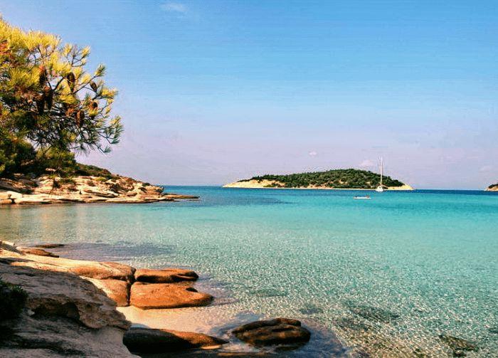 Το άγνωστο εξωτικό ελληνικό νησί που έχει ζεστά νερά όλο το χρόνο και καθόλου κύμα  #Ελλάδα #Προορισμοί