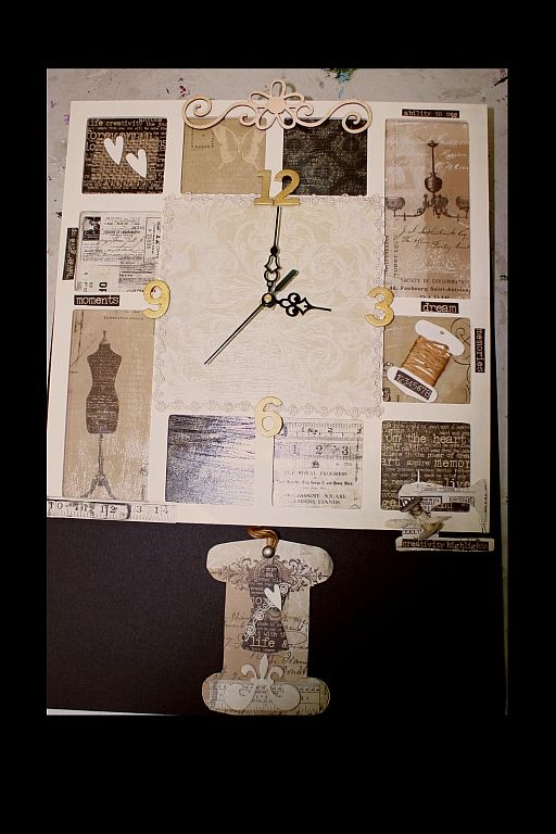 Clock with sewing theme