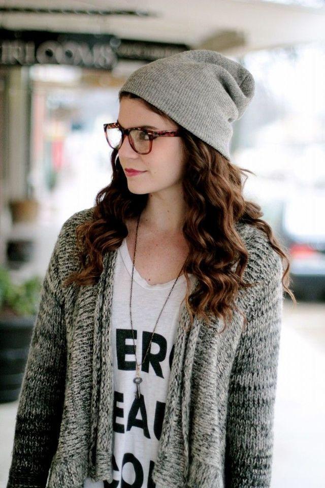 ニット帽×眼鏡でゆる可愛い雰囲気に♪
