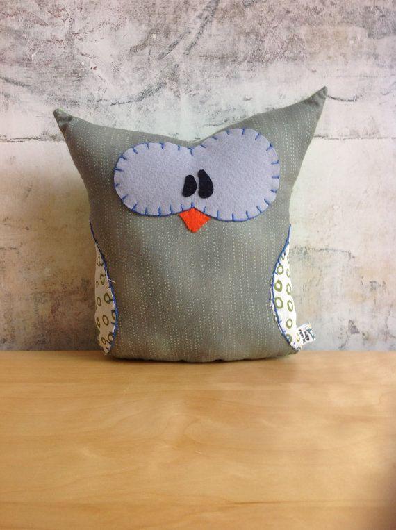 Stuffed Owl  Doudou hibou par lelabOdOre sur Etsy, €30.00