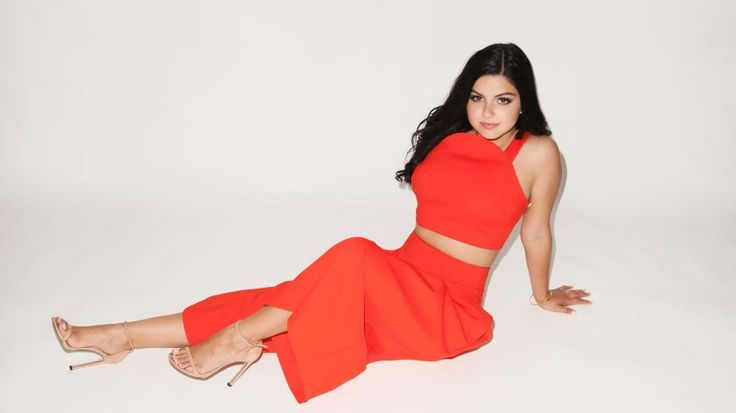 Modern Family actress Ariel Winter shares how breast reduction surgery positively changed her life. #PlasticSurgery