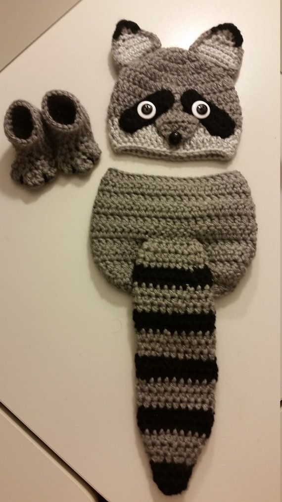 Crochet Newborn Baby Girl or Boy Woodland Raccoon Costume - Photo Prop - Beanie Hat, Raccoon tail Diaper Cover, and Booties. Perfect homemade
