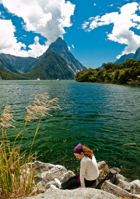 Relaxing spot in Milford Sound, New Zealand (by theerstwhilekate).