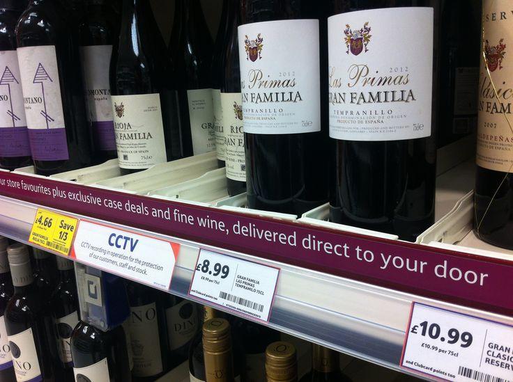 tesco invita a sottoscrivere l'abbonamento ai vini dallo scaffale.
