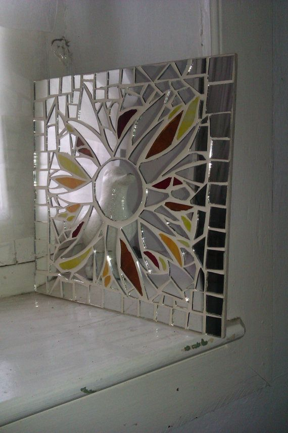 1062 best mosaic frames and mirrors images on pinterest for Cracked mirror tiles