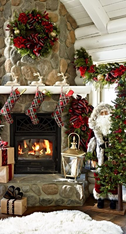 Bring the spirit of the magical Scottish Highlands to your holidays with our Highland Holiday Pre-Decorated Greenery.