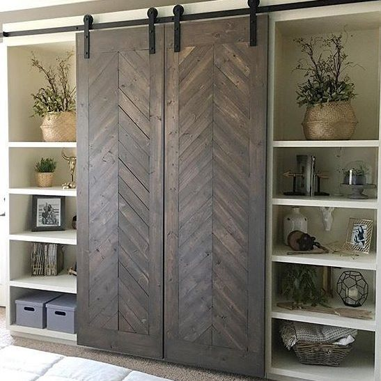Barn door perfection @shanty2chic #farmhousestyle #homedecor