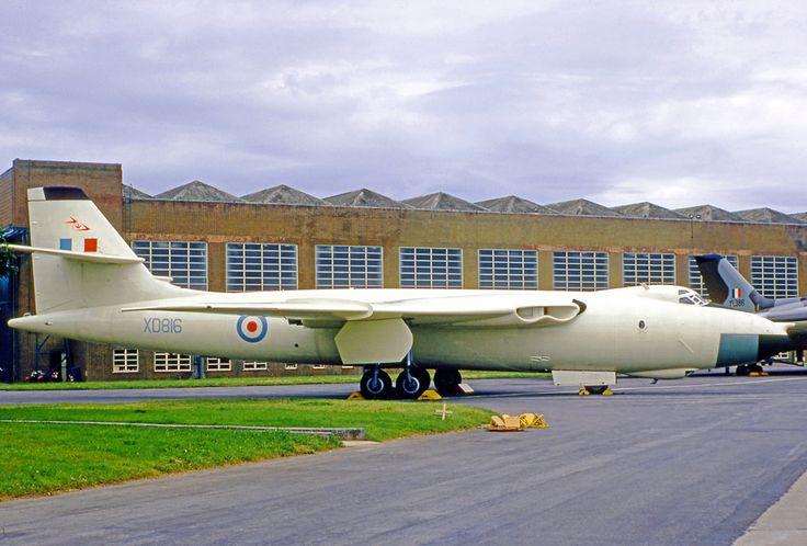 Vickers Valiant BK XD 816 214 Squadron.