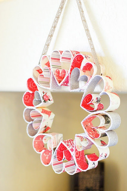 Valentine 39 s day wreath manualidades con papel - Manualidades con papel ...