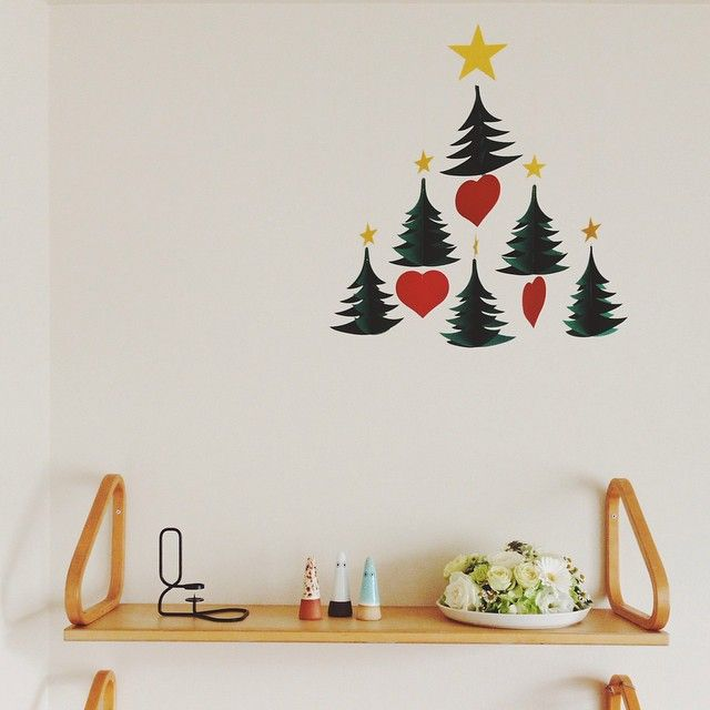 もうすぐクリスマス☆今年のクリスマスはどうお過ごしでしょうか? 街では、少しづつクリスマスを意識した飾り付けを目にするようになりました!やっぱり、クリスマス色に変わりゆく街並みを見ていると、気分もワクワクしてきますよね♪ 今回は、そんなクリスマス気分を盛り上げる、クリスマスの飾り付けをまとめてみました!是非、参考にしてみて下さいね(^^♪ クリスマス