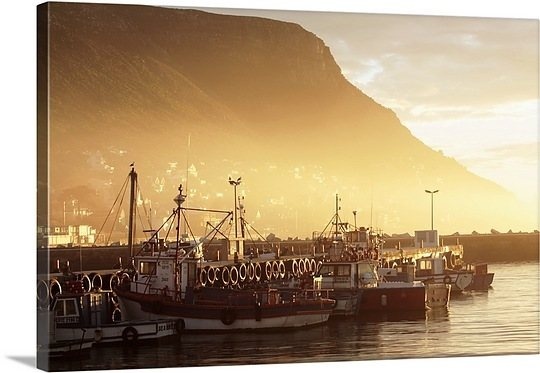 fishing-boats-at-dawn-kalk-bay-harbour-western-cape-province-south-africa-84954546.jpg (540×373)