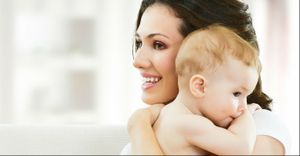 Colo de mães e avós produz efeito calmante nos bebês e traz benefícios - Segundo estudo japonês, o colo de mães, pais e avós diminui batimentos cardíacos e tem efeito relaxante nos bebês. Mas em excesso, dar colo pode provocar problemas. Saiba como dosar