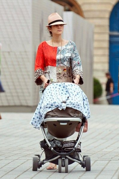 wk beg jul 1 Marion Cotillar off-duty with her bubs is as stylish sleep-deprived - love the mashed up print top