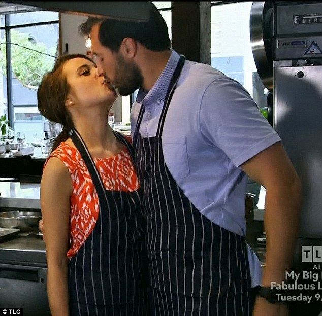 Public displays: Jinger Duggar and Jeremy Vuolo engaged in multiple public displays of affection during their Australian honeymoon on Monday's season finale of Counting On