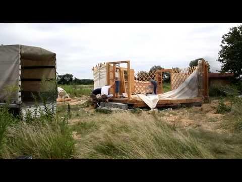 ▶ Rozklad jurty aneb sbalili jsme svých pět švestek - YouTube
