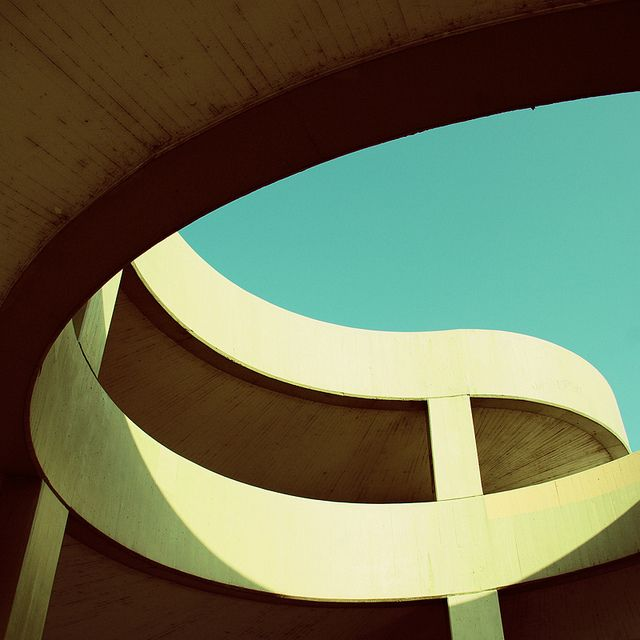 Simplicity and elegance in a parking structure. Who knew?