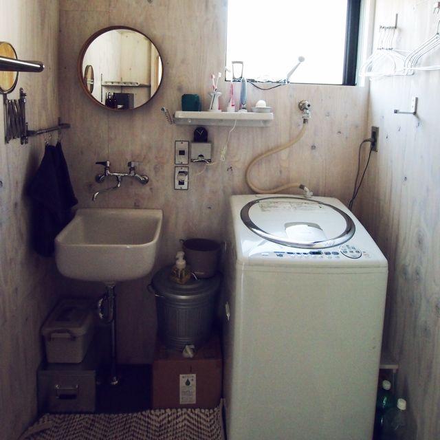 洗面所全体/洗面所 棚 DIY/洗面台周り/洗面所/丸鏡/壁を白塗り…などのインテリア実例 - 2014-05-05 09:26:40 | RoomClip(ルームクリップ)
