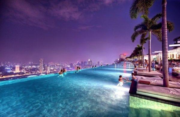 La piscine sur le toit de l 39 h tel marina bay sands for Hotel nice piscine sur le toit