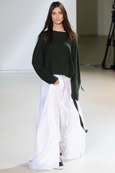 Yang Li Spring 2014 Ready-to-Wear Collection this pullover!