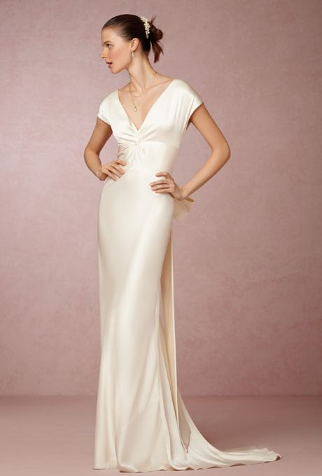 Silky Bridal Gowns For the Second Time Around: Part 2. #weddings #dresses #silk http://buff.ly/1SFFHFv