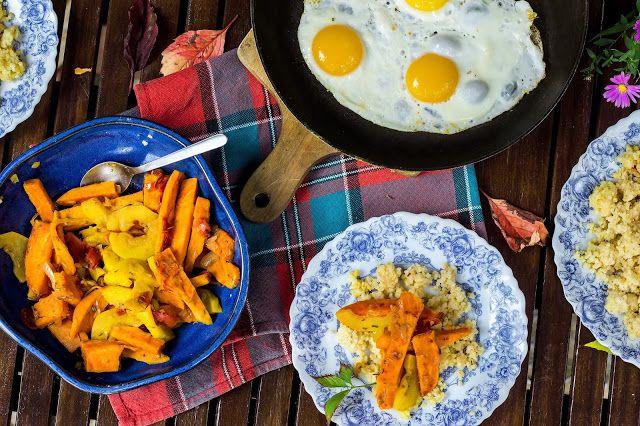 Make it healthier: Kasza jaglana z batatem, żółtą cukinią, rozmarynem i jajkiem sadzonym / Weekend na wsi