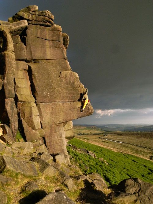 Outside.co.uk Blog - Simon Kimber soloing Ellis' Eliminate on Stanage Edge