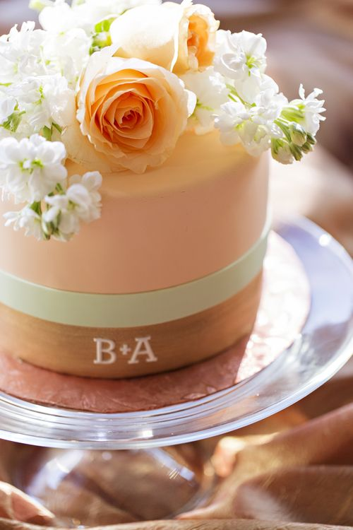 peach wedding cake design gold wedding cakes and mint on 18143