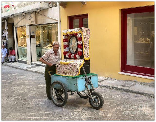 Laterna. Greek type of barrel organ #Athens #music #street