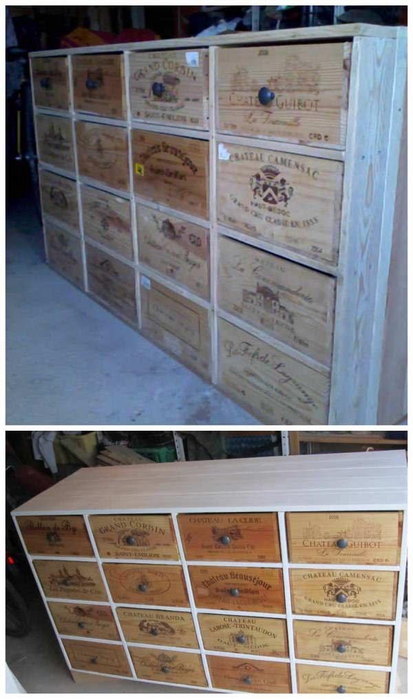 Shoe Storage From Pallets & Wine Boxes Here is a cupboard made out of discarded wooden pallets and wine boxes. Meuble fabriqué avec des palettes et des caisses de vin en bois.
