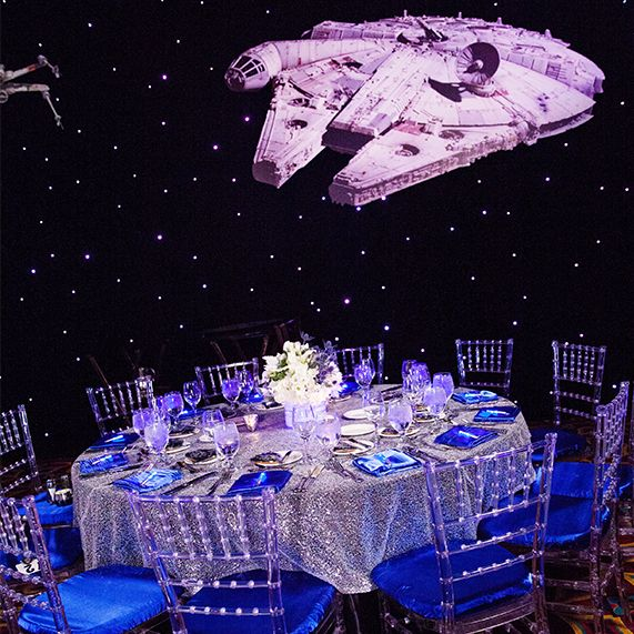 Best 25 star themed weddings ideas on pinterest starry for Star wars dekoration