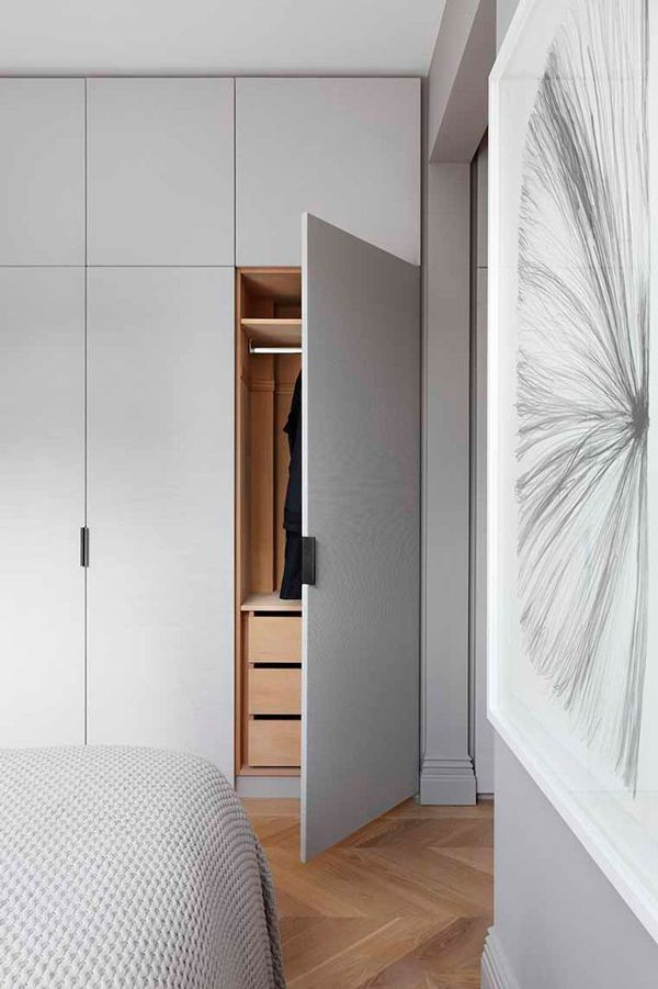 Modern closet door and design ideas