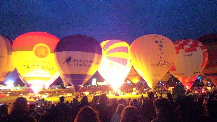 Bristol Balloon Fiesta 2016 - Thursday Night Glow