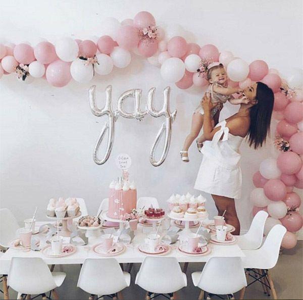 Single string balloon backdrop