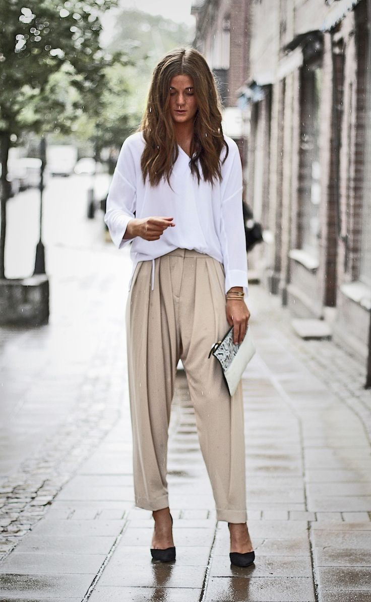 I rarely do loose pants but with cropped work pants I really like them.