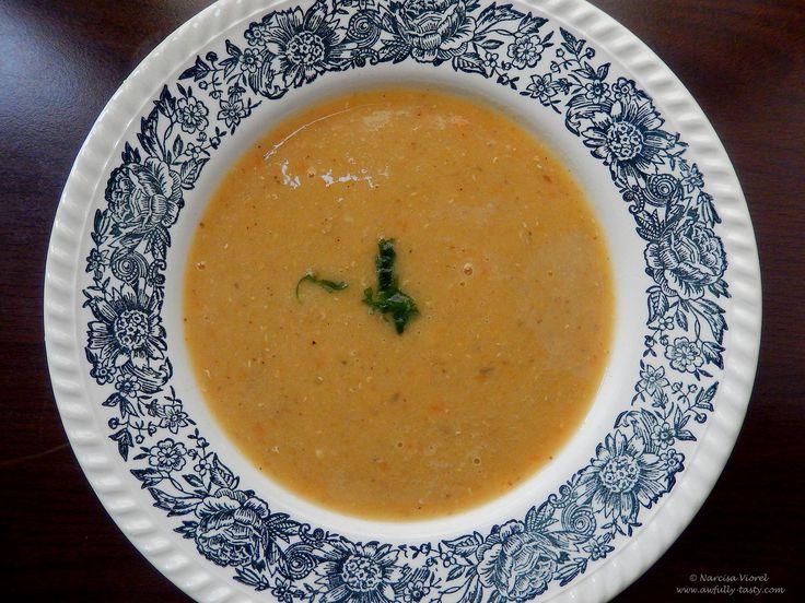 Supa de linte simpla.   Red lentil soup.