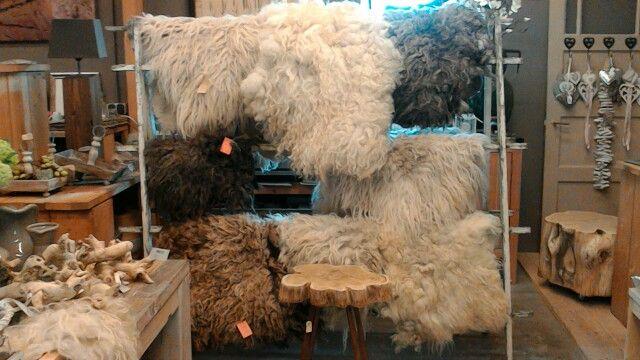 schapenvachten, handgemaakt gevild