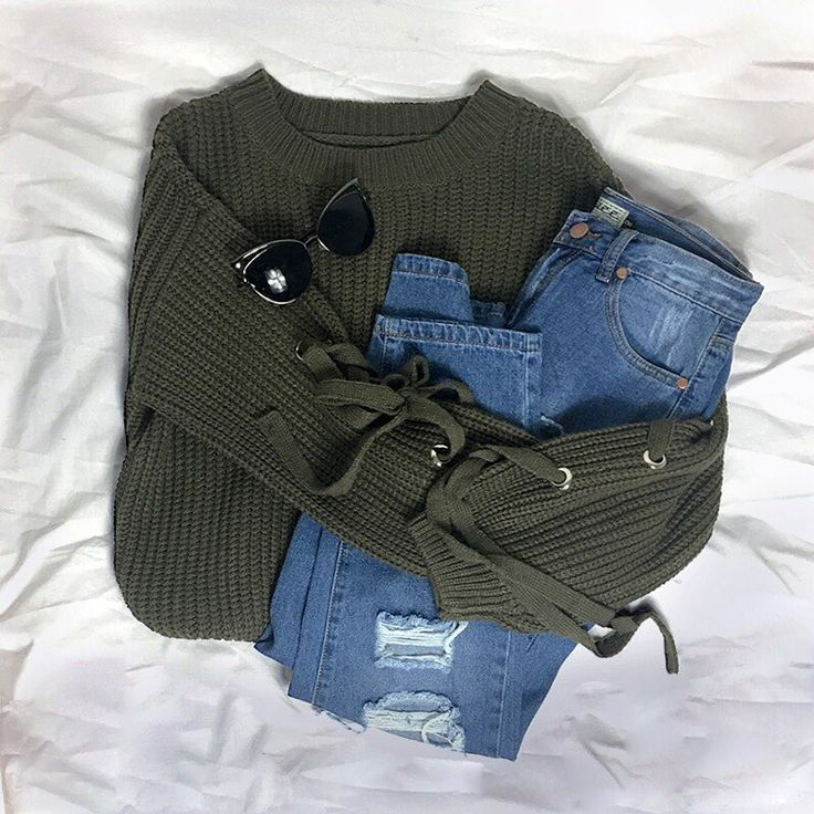 """STELLY Winter warmers 😍😍 Shop the """"Lazy Days Jumper"""" paired with the """"Drifting Jeans"""" and styled with the stylish """"Quay Australia Lana"""" sunnies now via https://stelly.com.au/QlIqxo https://stelly.com.au/Gx6awN https://stelly.com.au/lZUtME"""