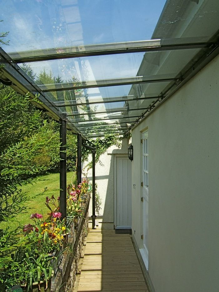 Glass Covered Walkway - Architectural