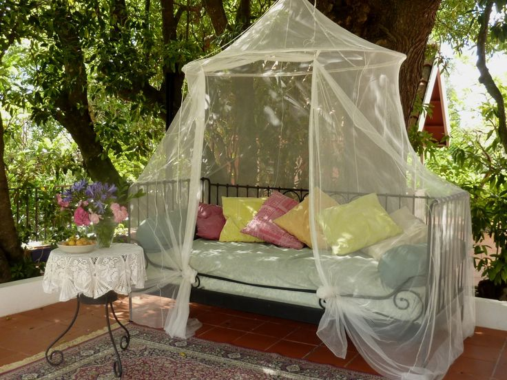 Outdoor sofa (in case the hammock is taken). This is a great place to lounge and read. #bedandbreakfast #casadovalle #outdoors #Sintra #Portugal #readingnook