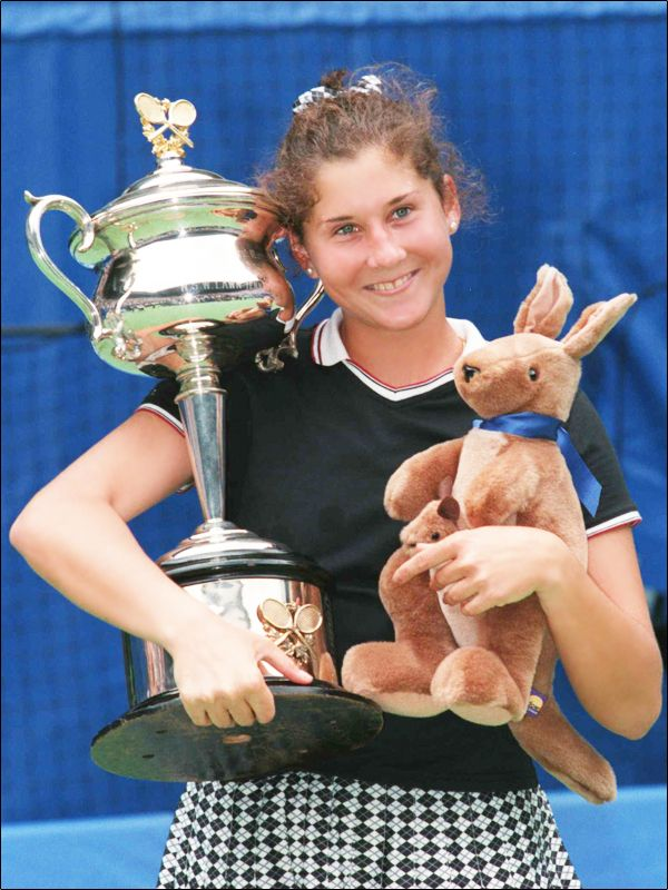 Monica Seles (USA) - b. 02/12/1973 - 1,78m. - Ranked 1st during 178 weeks between 1991 & 1996 - Won 9 Grand Slams (4 Australian, 3 Roland-Garros, 2 US Open)