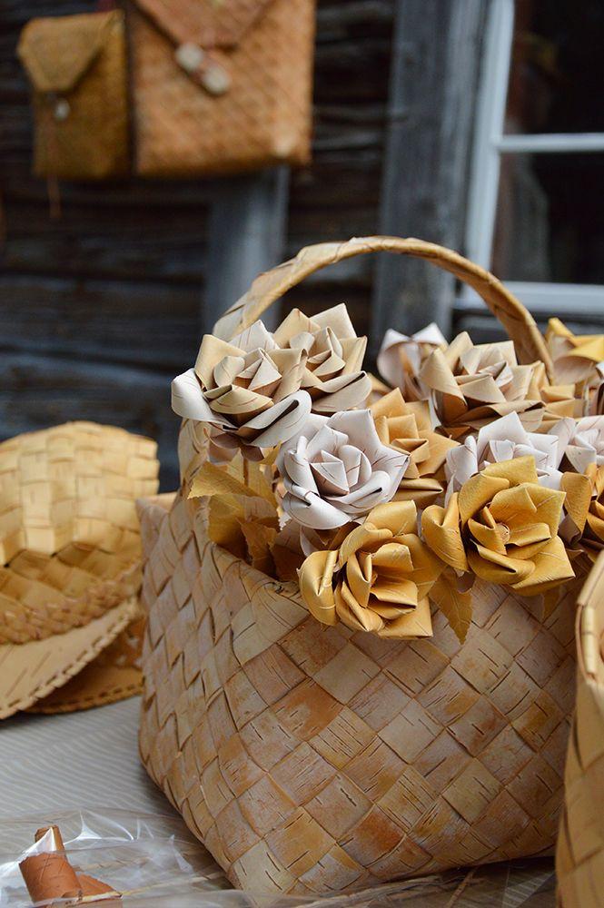 Upeat tuohiruusut on valmistettu käsityönä. Luuppi, Oulu (Finland)