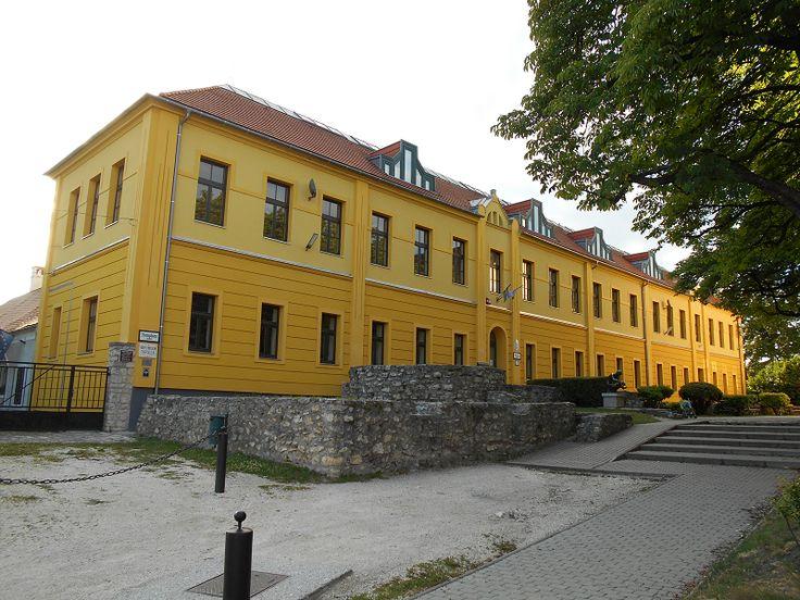 Romkert és várfal maradványok (Tapolca) http://www.turabazis.hu/latnivalok_ismerteto_3623 #latnivalo #tapolca #turabazis #hungary #magyarorszag #travel #tura #turista #kirandulas