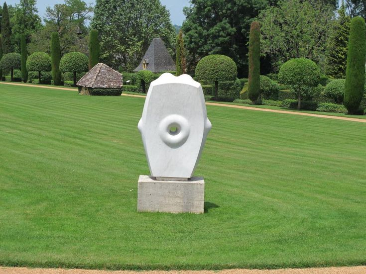 Agustin Cárdenas Boite à Musique, 1968 marmo bianco, cm 190hx120x50 - base cm 116x62x60