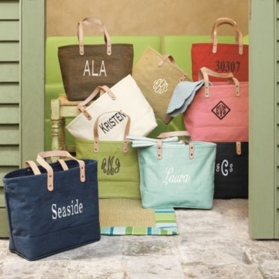 Monogrammed tote bag: Gifts Ideas, Monograms Totes, Jute Bags, Totes Bags, Bridesmaid Gifts, Beaches Totes, Beaches Bags, Great Gifts, Ballard Design