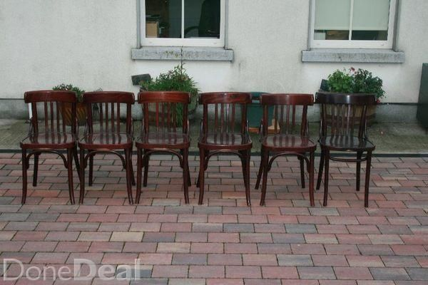 A superb set of 6 Bentwood Chairs, from around 1920,s. These chairs are in excellent condition, with a beautiful patina.The chairs are solid with no discernible cracks and no woodworm. These chairs have been very well looked after in their lifetime, and have been used as they were meant to be used.Height of the chair is 31 inches high to the top of the rail, and 16 inches across the seat in width. The price is 80 euro per chair, but I would consider a deal if taking the complete set.I can…