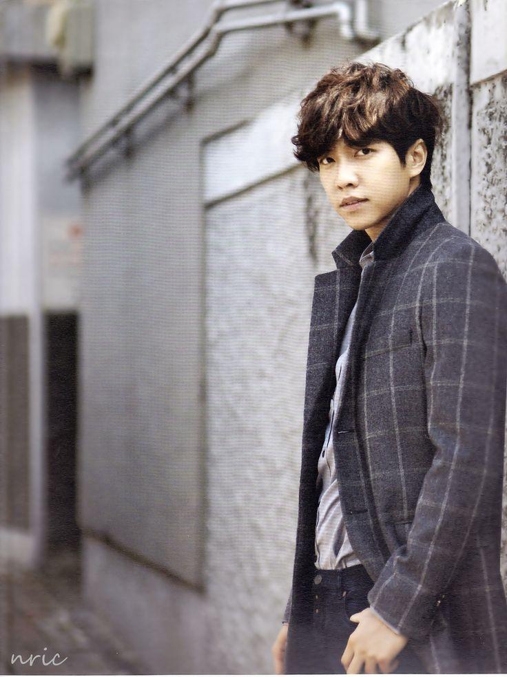 Lee Seung Gi 2013 Calendar March