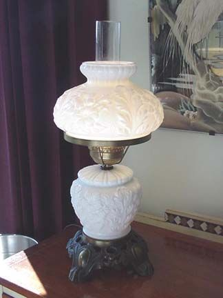 Fenton white milk glass - Lovely Lamp<3