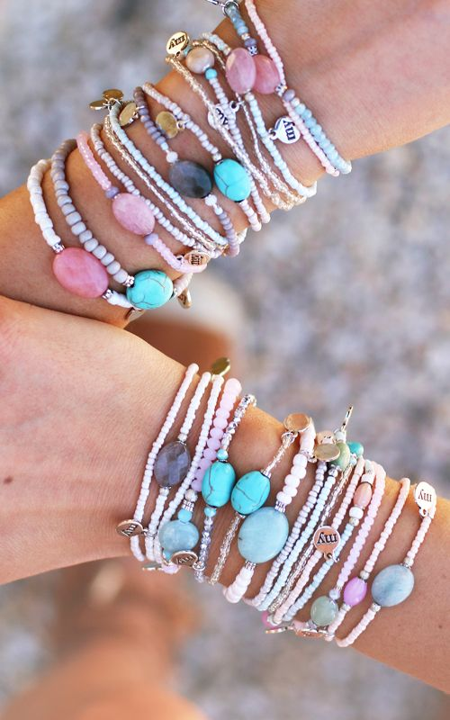 Lovely armcandy > stone bead bracelets in different colors - Available via www.my-jewellery.com | #stone #bracelets #colors #armcandy #summer #pink #turquoise #blue #myjewellery