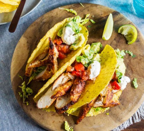 The same tasty Mexican dish with half the fat of standard tacos. Pile on the chicken, salsa and guacamole, and build yourself a delicious dinner.